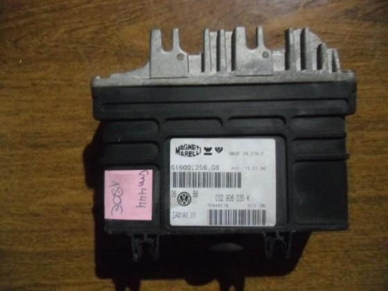 Centralina Motor VW Golf III 1.6 cm444